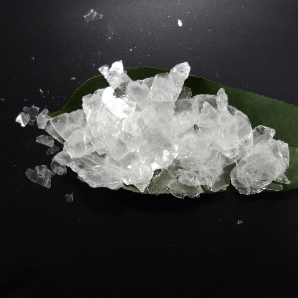 White synthetic mica flakes-4mesh +4 mesh