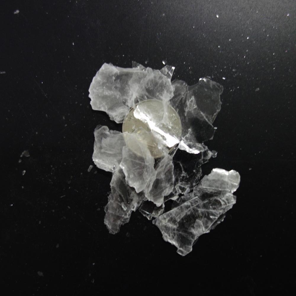 white flakes synthetic mica+ 4Mesh