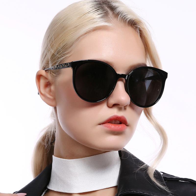 Retro fancy frame black ladies sun glasses star diamond rounded polarized sunglasses 2019Retro fancy frame black ladies sun glasses star diamond rounded polarized sunglasses 2019