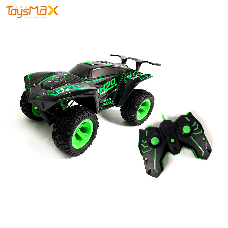 New arrival high quality 2.4G four-way remote control RC climbing car with light and spray