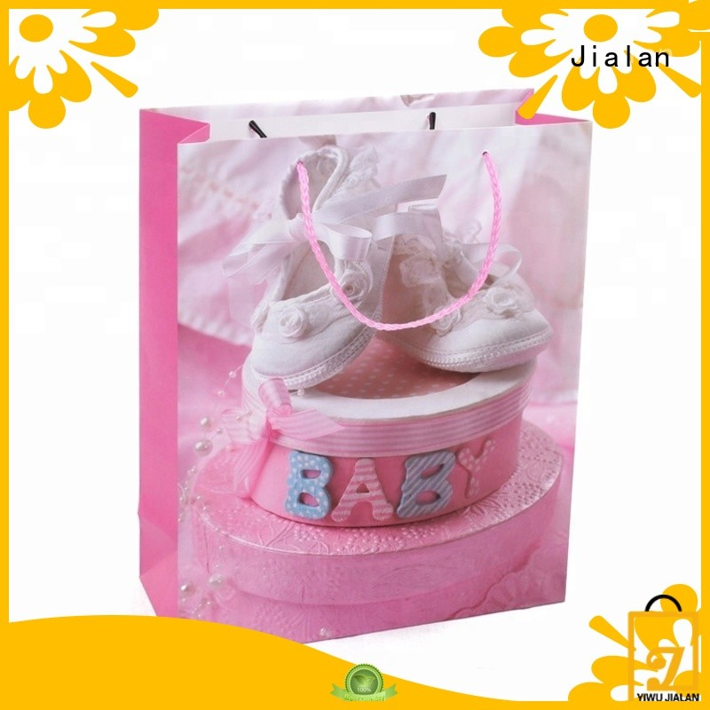 small gift bag company for packing gifts