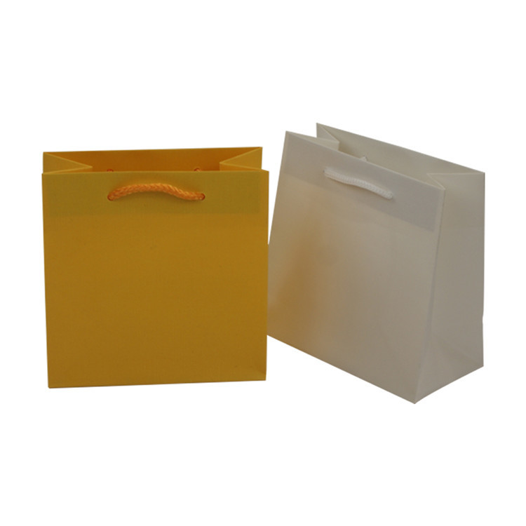 Custom printed recycle solid color shopping gift kraft paper bag with handles