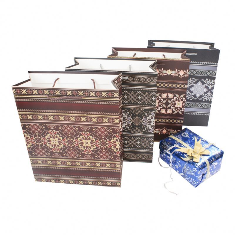 Professional supplier packaging paper shopping bag, custom made floral paper gift bag