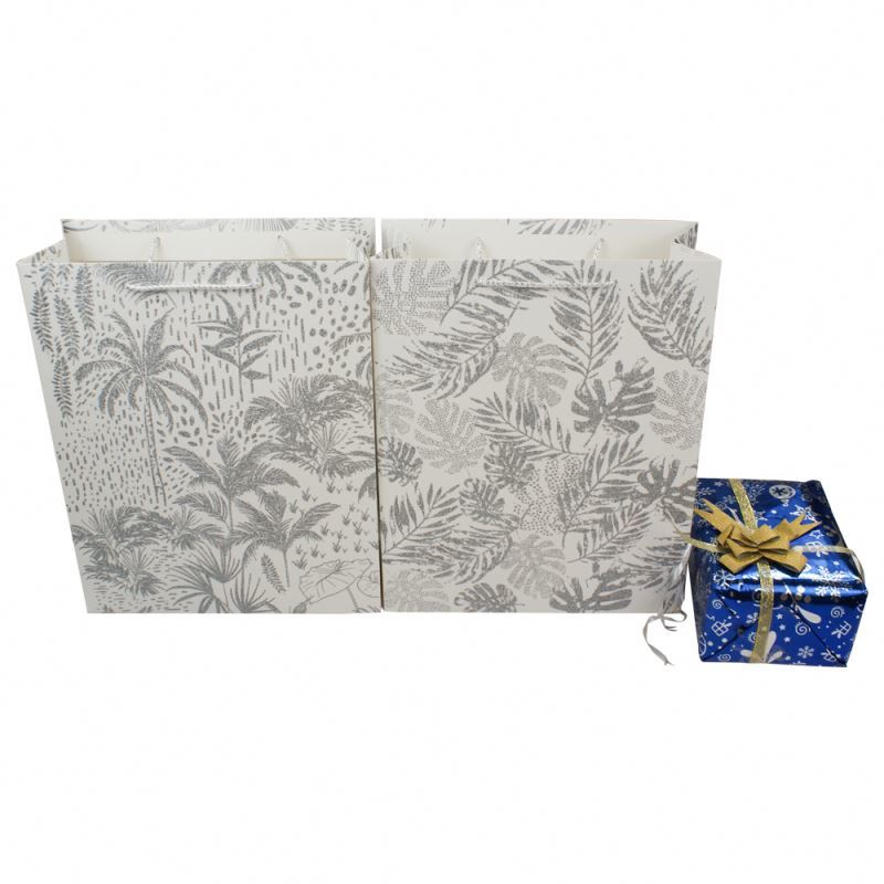 Wholesale paper shopping bags,eco-friendly packaging stand up paper bag with handles