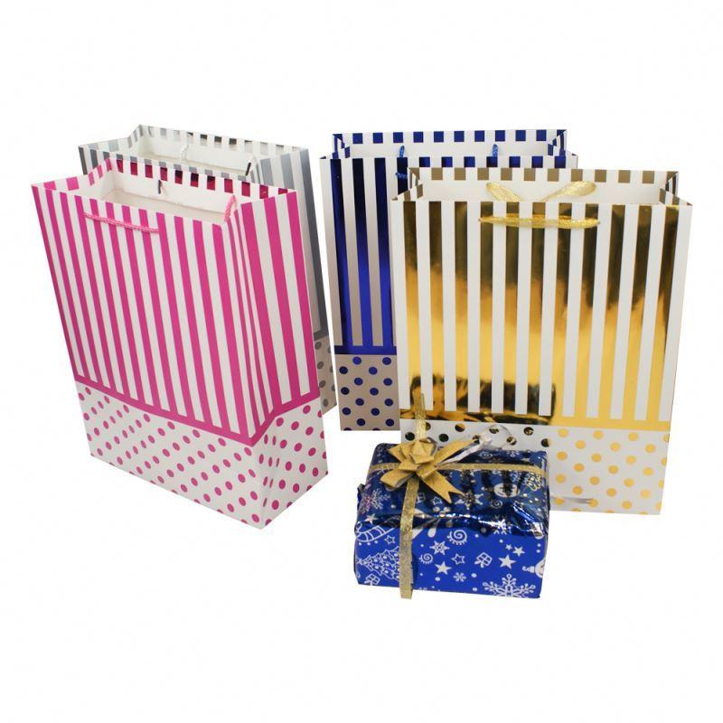 2019 OEM Custom Printed Packing Paper Packing bags craft luxury paper bags