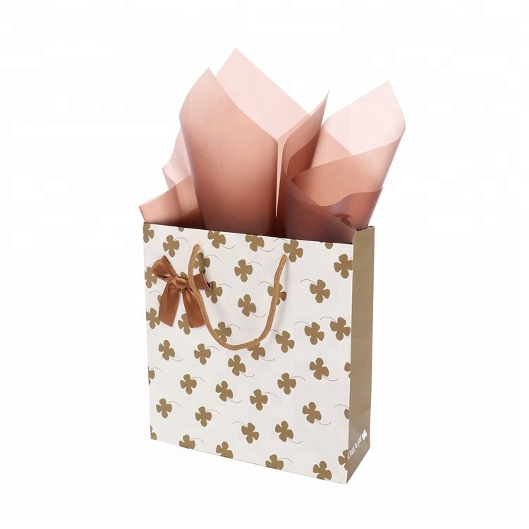 High Quality Durable Brown Bowknot Bulk Paper Christmas Gift Bags For Package