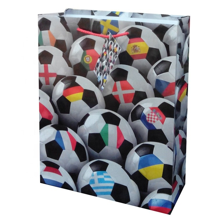 Wholesale Nice Fashionable Printing Soccer Paper Gift Bag With Card For Boys
