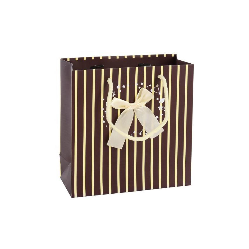 High-quality Special Design Portable Christmas Kraft Shopping Paper Bags With Handle
