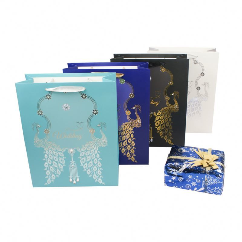 Professional supplier gold stamping gift packaging paper bag for customized