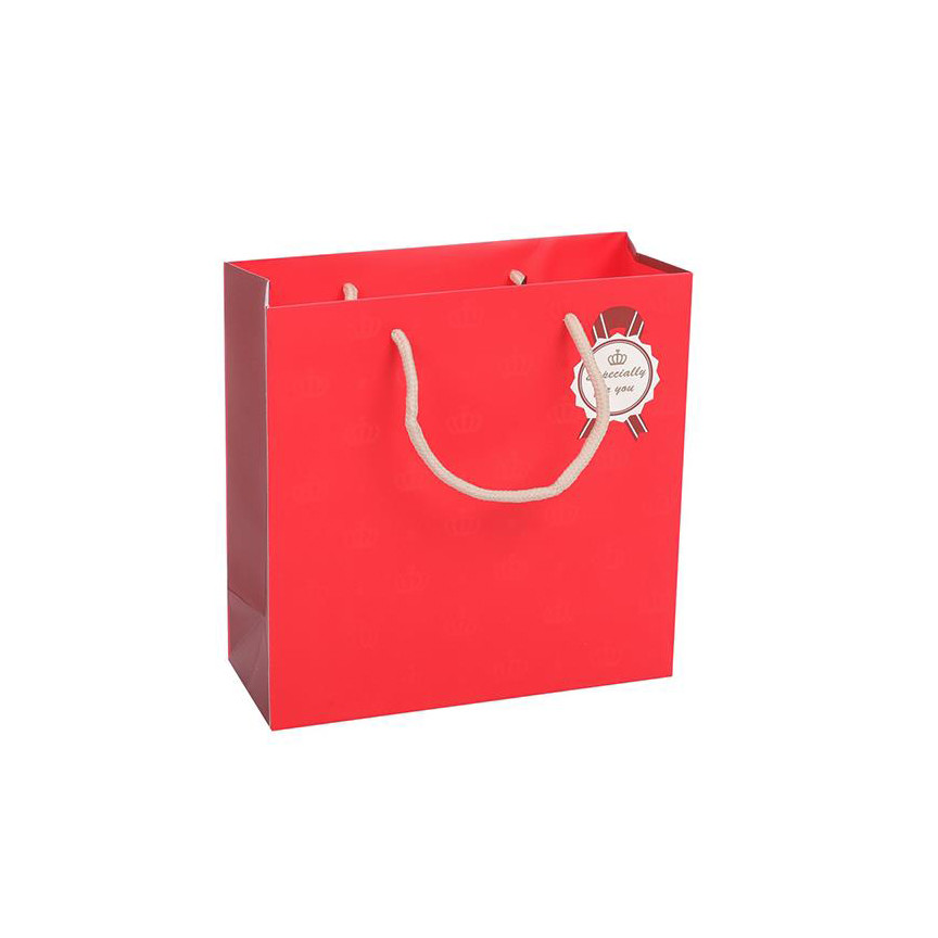 Wholesale Custom Logo Printed Pure Red Kraft Paper Gift Bag With Handles
