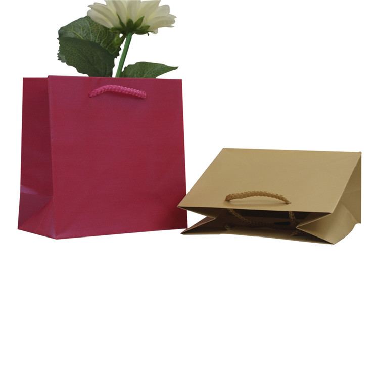 Wholesale kraft paper bag,creative gift packing natural kraft paper bag with handle