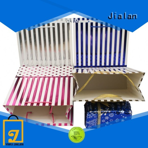 Eco-Friendly paper bags wholesale supplier for holiday gifts packing