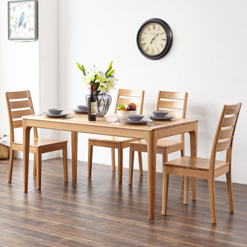 2020 simple design customizable popular High-end good quality and low price soild wooden dining table for the dining room